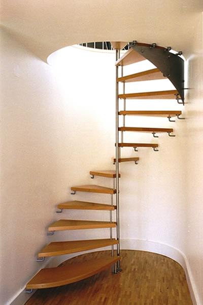 treppen und gel nder in eiche esche kirsche kiefer. Black Bedroom Furniture Sets. Home Design Ideas