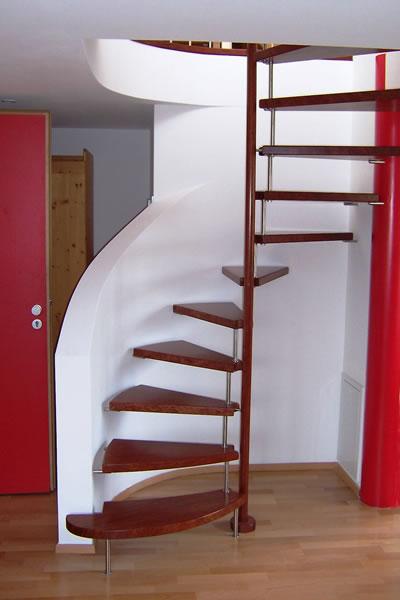 kleintreppen platzsparend individuell heinzelmann. Black Bedroom Furniture Sets. Home Design Ideas